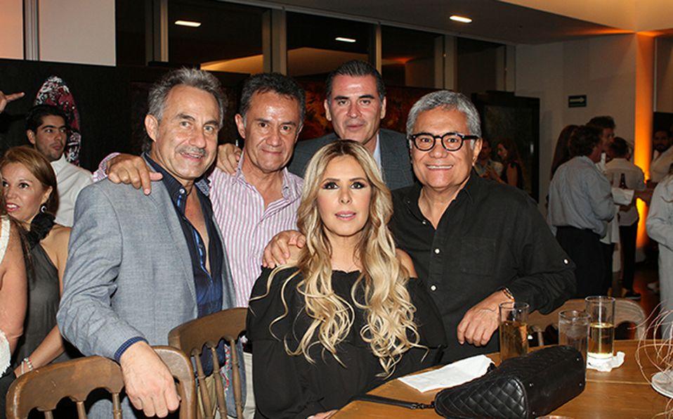 Javier Velasco, Mario Villanueva, Juan Pablo Álvarez, Toño Villanueva y Gabriela Córdova
