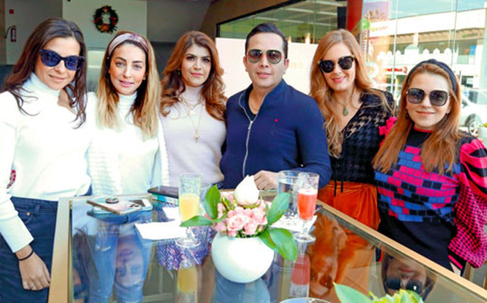 Paola,-Alejandra,-Vanessa,-Mauricio,-Annette-y-Lily-