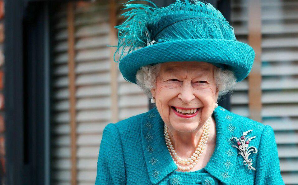 La Reina Isabel habría pedido su primer autógrafo ¡en 60 años!