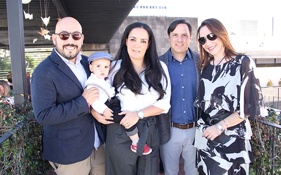Paulo Orendaín, Patricio Mercado, Alexa Limberópulos, Pablo Mercado y Ángela Tamayo