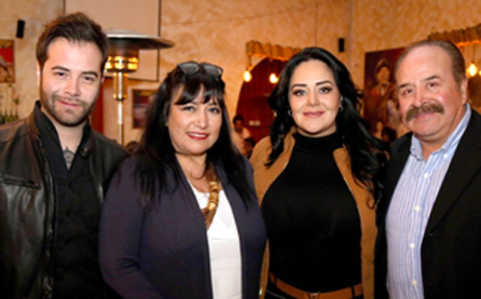 IMG_1386 Jonathan Molina, Mayte Barragán, Erika Molina y Ricardo Molina ##