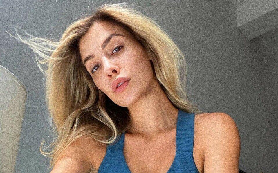Michelle Salas y el bikini azul que puso de moda en Italia. Fotos