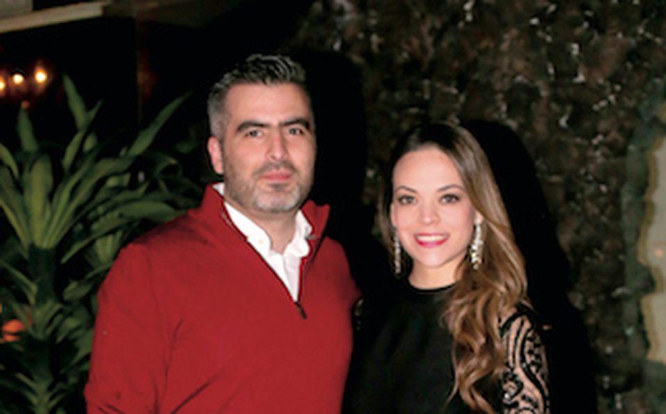 Alejandro Fish Flores y Sasha Cisneros (2)