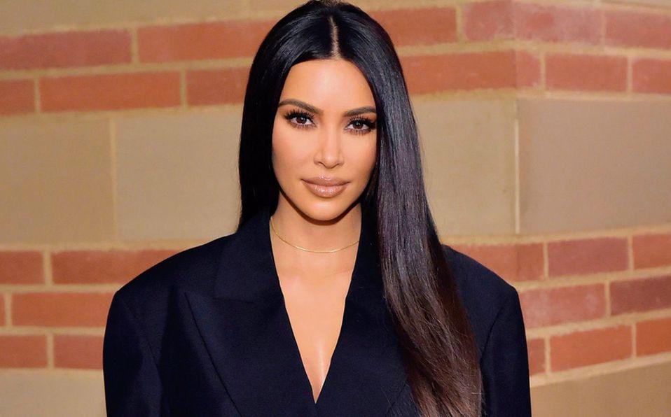 Kim Kardashian estudia leyes en bikini. ¡Comparte fotos!