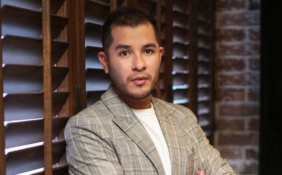 Diego Hernández se ha especializado en el cabello y colorimetría. Foto: Aarón Solís