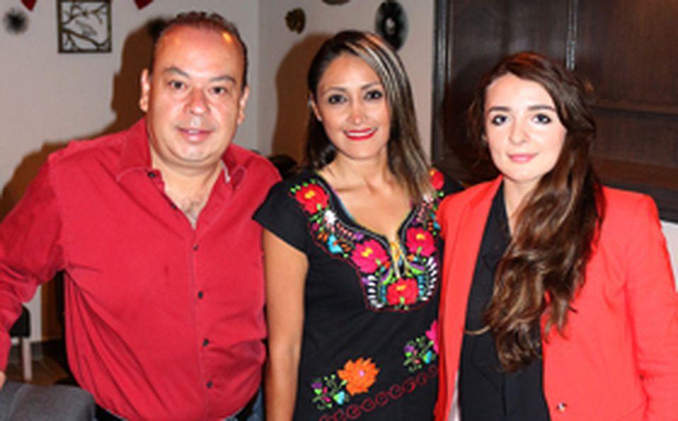 IMG_7763 Fernando Olguín,  Ana Gabriela Urbina y  Marcel Michael