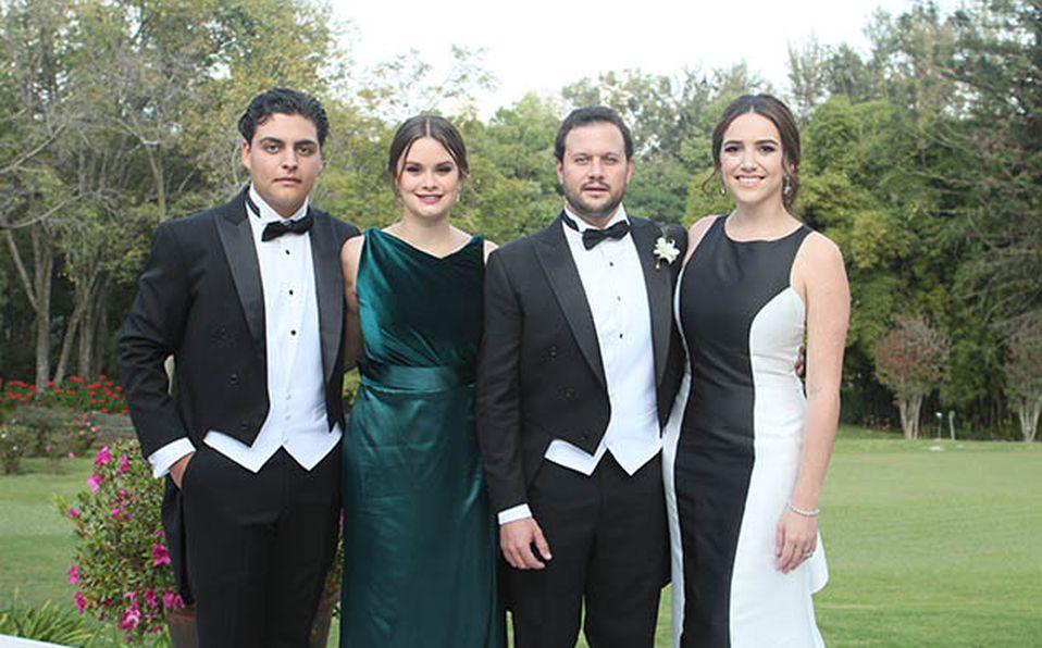 Roberto Fernández y Lore Díaz Covarrubias