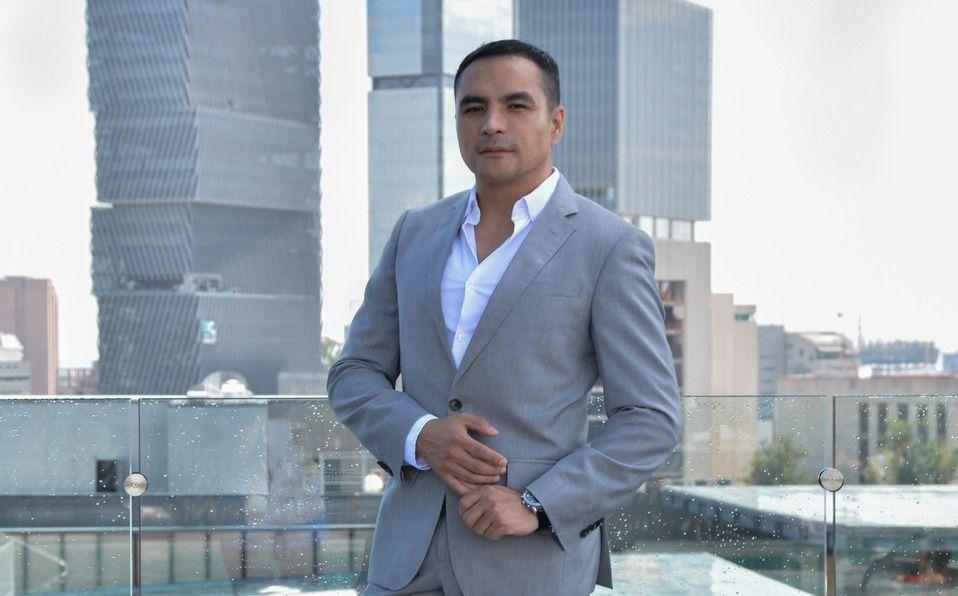 Óscar Asiaín, experto nutriólogo con 20 años de experiencia.