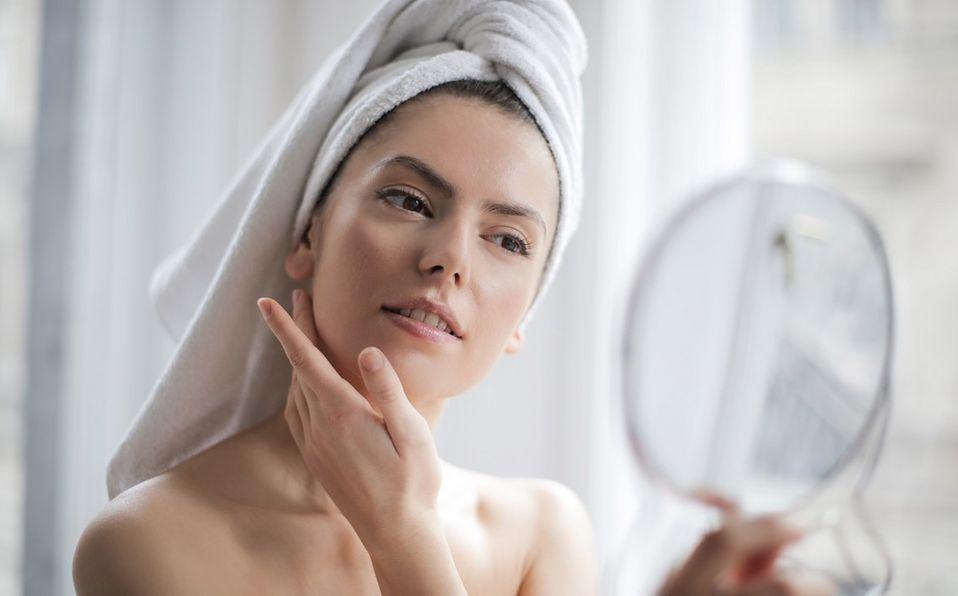 Cómo cuidar tu piel durante la pandemia de covid-19 con cubrebocas (Foto: Pexels)