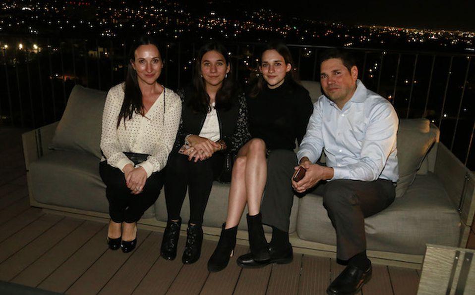 Raúl Villagómez, Laura de Villagómez, Magdalena Erhard y Eduardo Wise