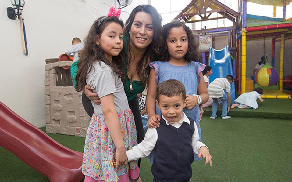 () Andrea Serna Pineda y Daniela Serna Pineda