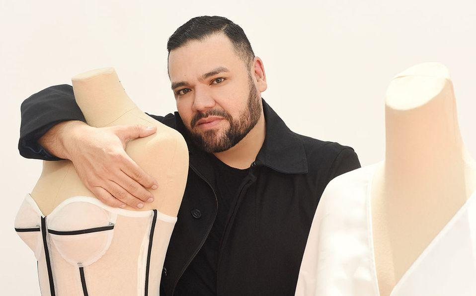 Benito Santos presenta su útlima colección Civil 2020