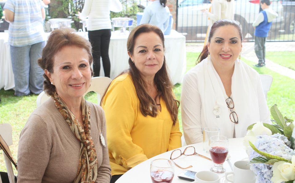 Tita Beruben, Susan Cummines, Caroline Cummines y Silvia Godínez