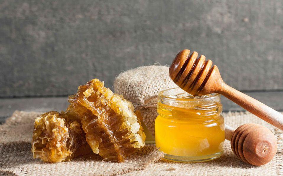 La miel de abeja tiene beneficios para la salud (FOTO: Shutterstock).