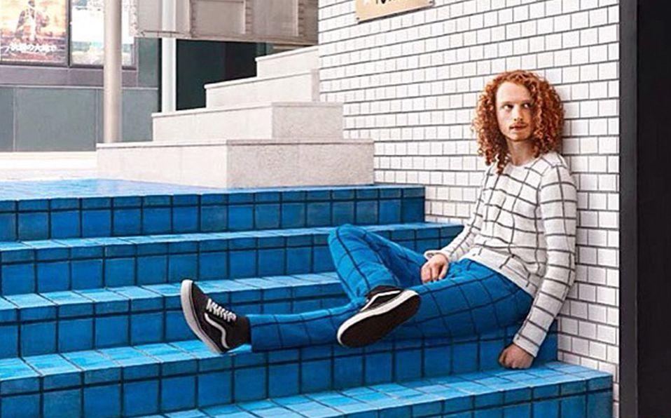 Una de las imágenes favoritas del fotógrafo es la de un hombre posando en prendas de punto. Foto: Joseph Ford