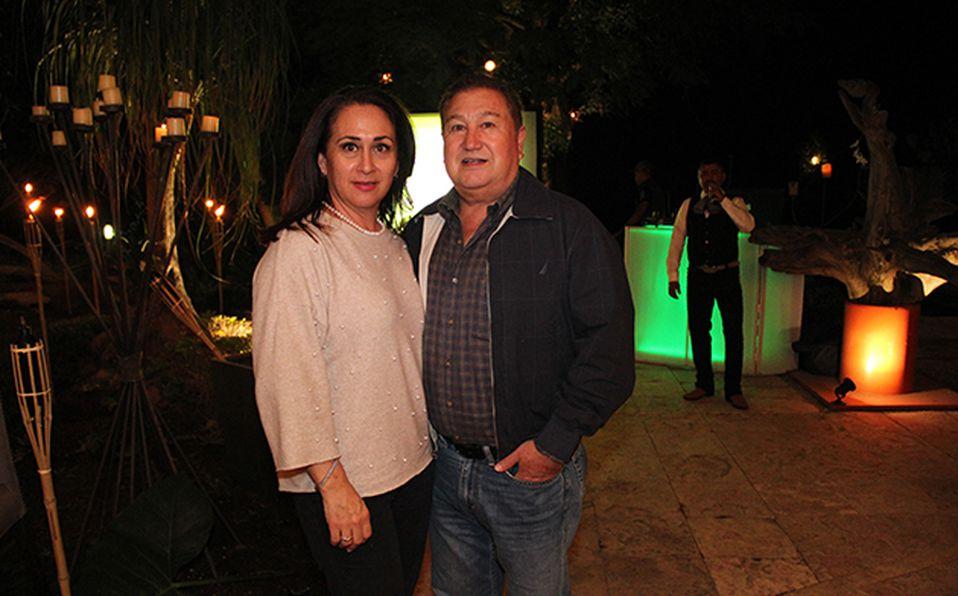 01 Adriana Velarca y Pony Torres