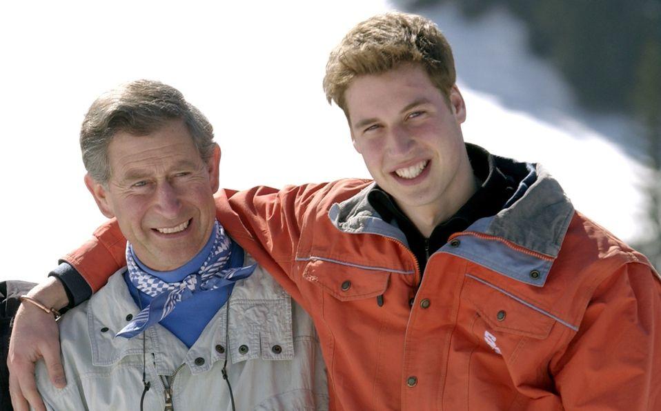 Así ha sido la complicada relación del Príncipe Carlos y William (Foto: Getty Images)