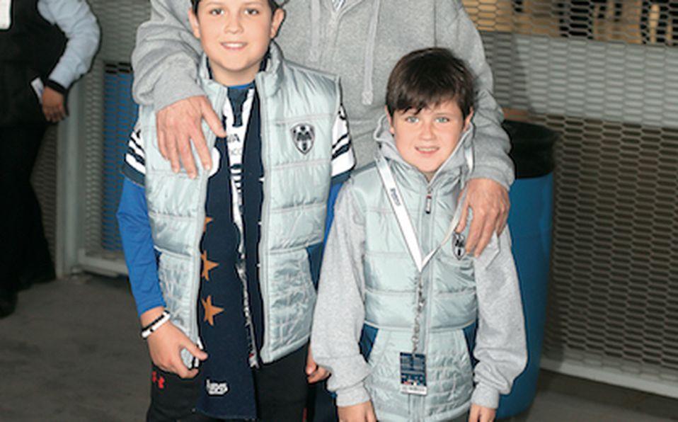 Bernardo González, Luis Martínez, Adrián Sheridan y Sean Momaghen