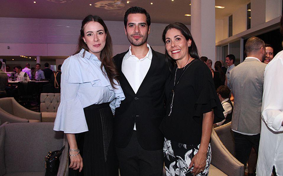 Alejandro Gómez, Ivonne Díaz de Sandy y Denisse Álvarez