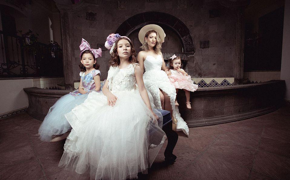La beauty blogger, Nelly Potenciano posa junta a Helena, Carol y Mía Sánchez de León, sus hijas, para el Día del Niño (Fotos: Edgar Tescum)