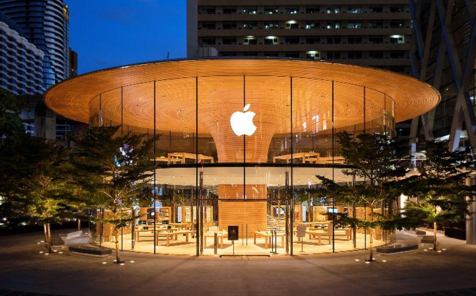 La más reciente apertura de Apple fue su tienda insignia de Bagkok. (Imagen cortesía Foster+Partners).