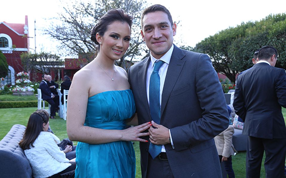 (principal) Adrián Ortiz y Melissa López