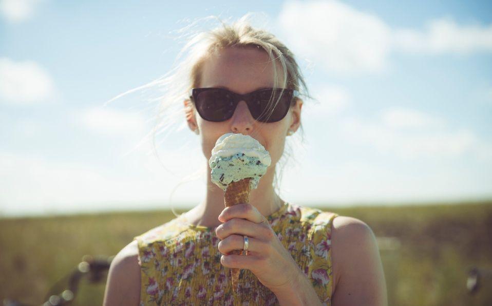 Comer helado moderadamente eleva nuestro estado de ánimo (Foto: Getty Images).
