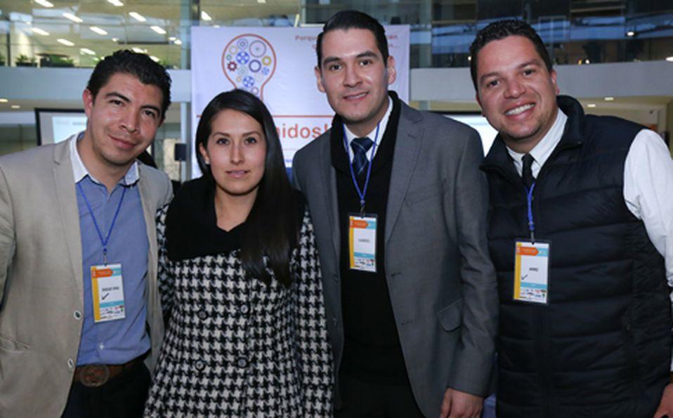 (principal) Diego Esquivel, Lu Sarmiento, Gabriel Meza y Jano Camacho