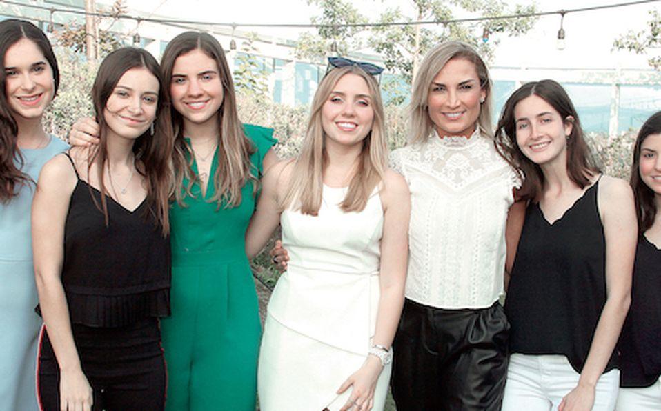 Regina Elizondo, Raquel González, Mónica Tijerina, Paulina Chapa, Daniela Nuño de Montemayor, Cecilia Vivanco y Rebeca De la Garza (2)