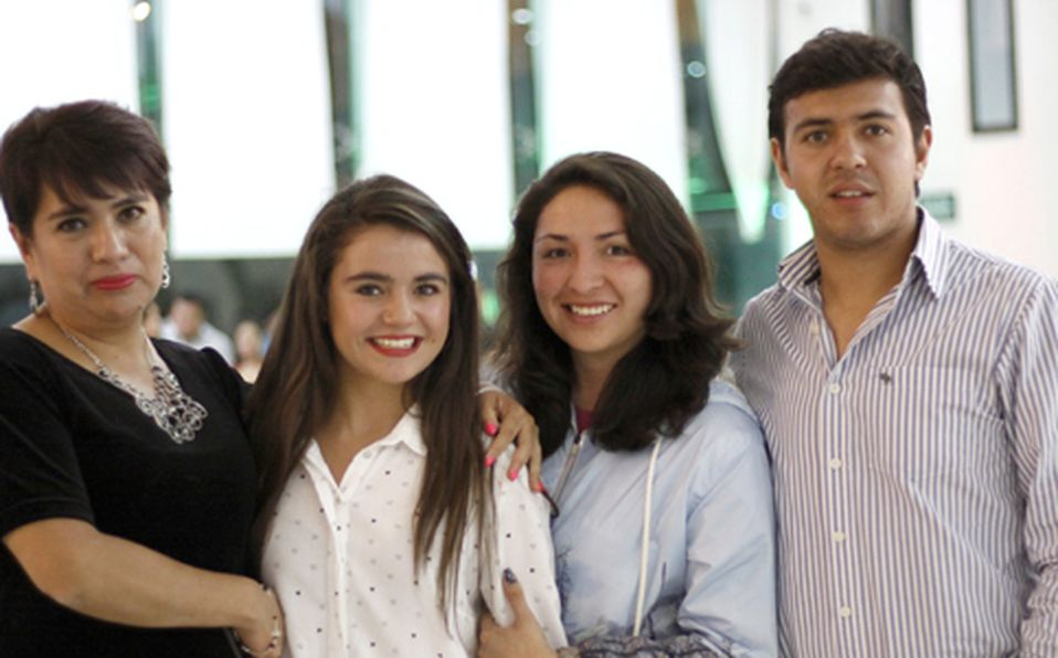 _MG_1680 Alejandra Hernández, Eva Licona,  Daniela Vergara y Fernando Vergara