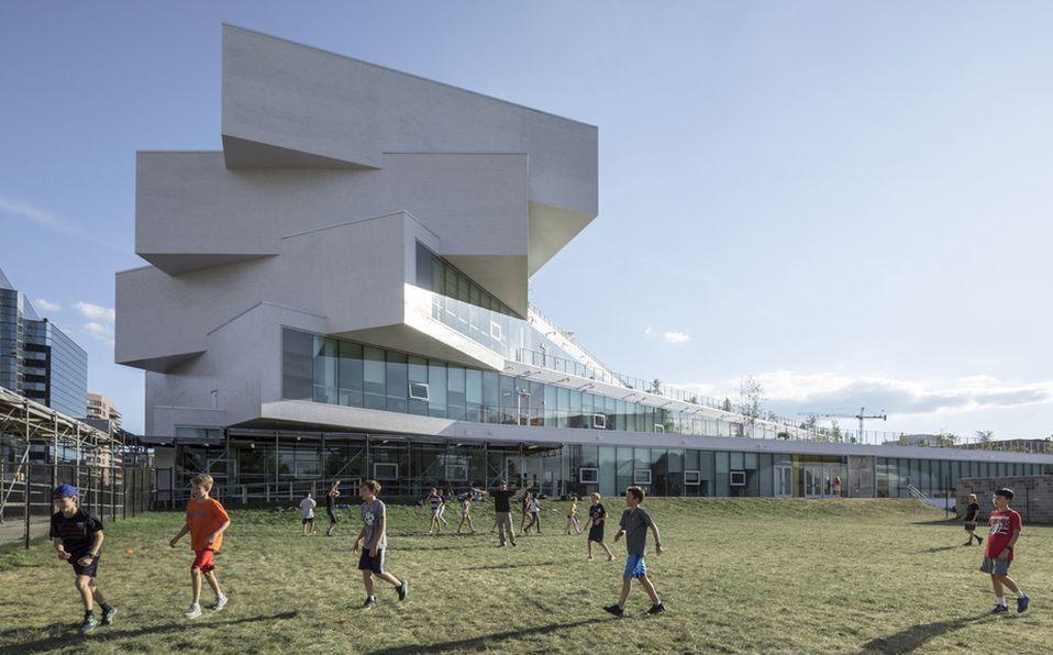 Heights Building, Imagen: Cortesía Laurian Ghinitoiu