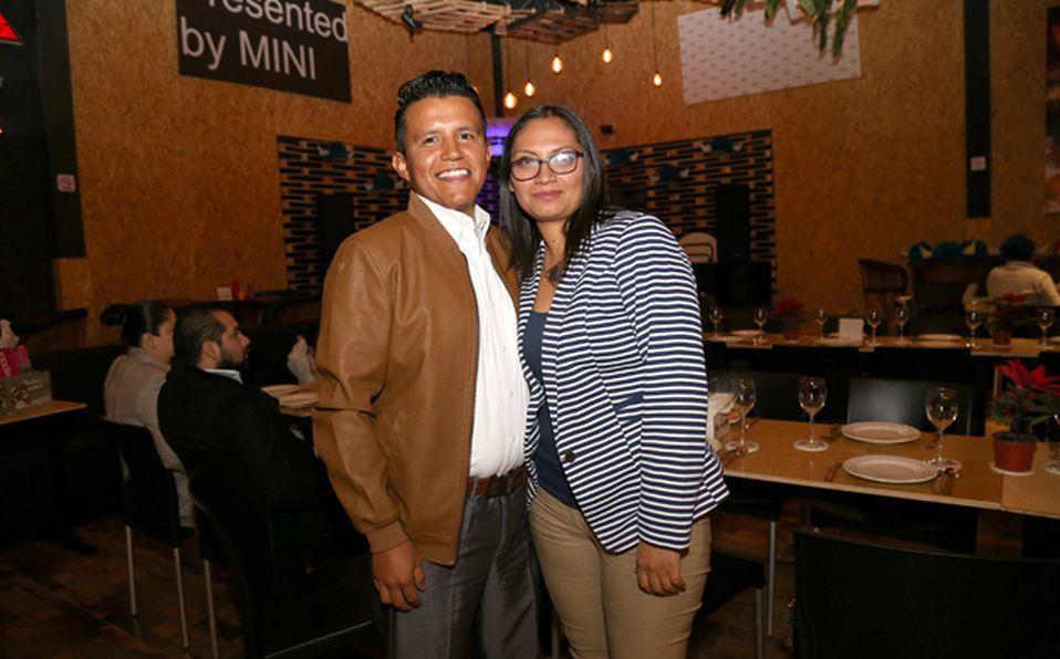 Sandy Fuentes  y  Gabriel Perales