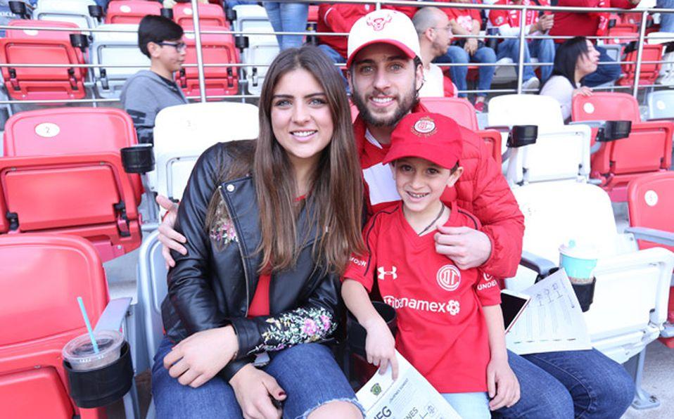 () ALEX LÓPEZ  Y NADIA HIERRO