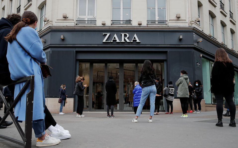 Zara abre sus puertas ¡y se hacen filas interminables! (Foto: Reuters)