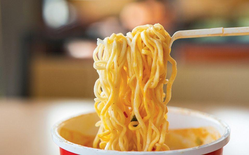 Lo que pasa en tu cuerpo después de comer una sopa instantánea (Foto: Instagram)