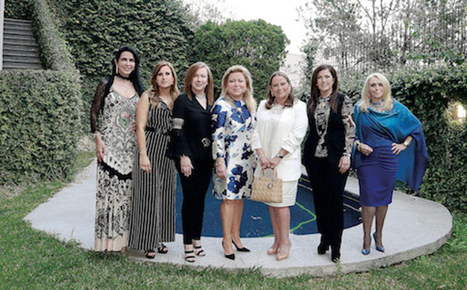 Martha Martínez de Ruiz, Graciela Tancredi de Flores, Lorena Dávila de Rocher, Marina Benavides de Castilla, Elvira Lozano de Todd, Marlene Dávila de