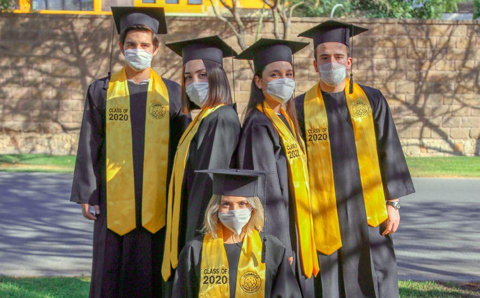 Alumnos del Instituto Cumbres celebran su graduación de preparatoria (Foto: Cortesía)