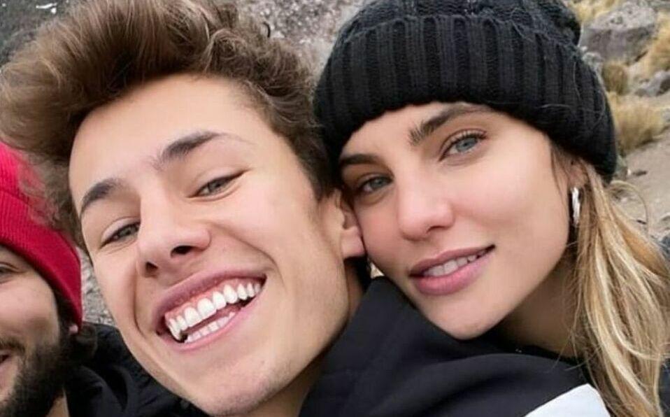 Macarena Achaga y Juanpa Zurita confirmaron su romance en redes sociales.