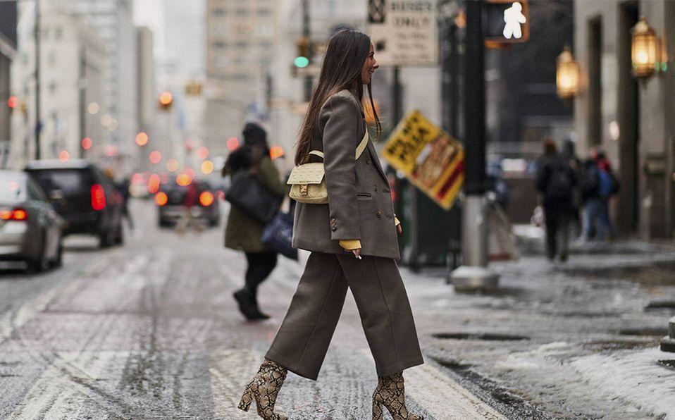 Los pantalones culotte los vemos más presentes que nunca en el streetstyle. Foto: Archivo