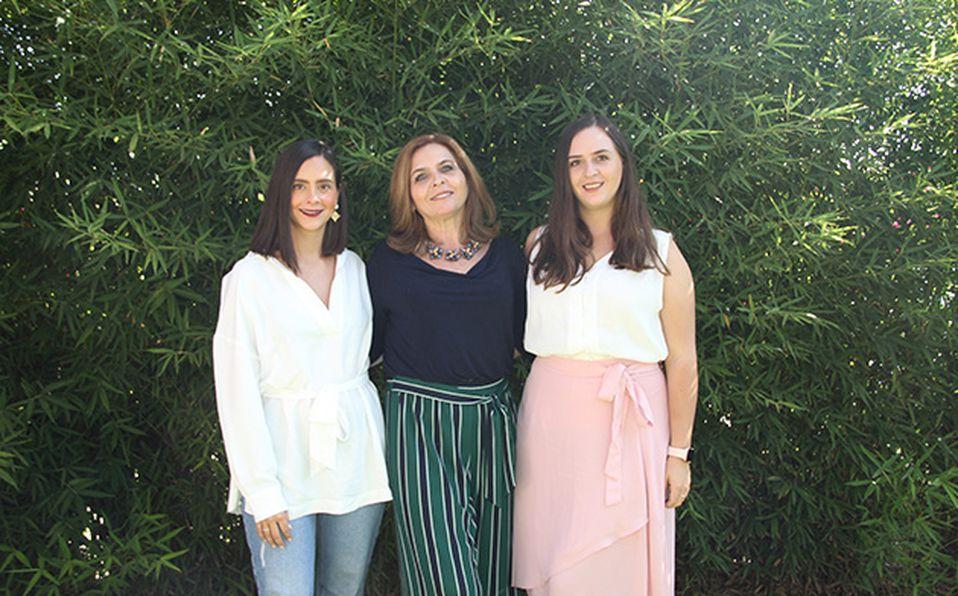 Adriana Contreras, Carmen Betancourt, Pastora Lemus y Lorena Contreras de Lemus