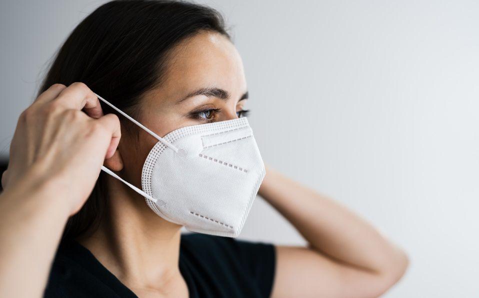 Usar la mascarilla de manera correcta evitará contagiarte del coronavirus. (Foto: Getty Images).