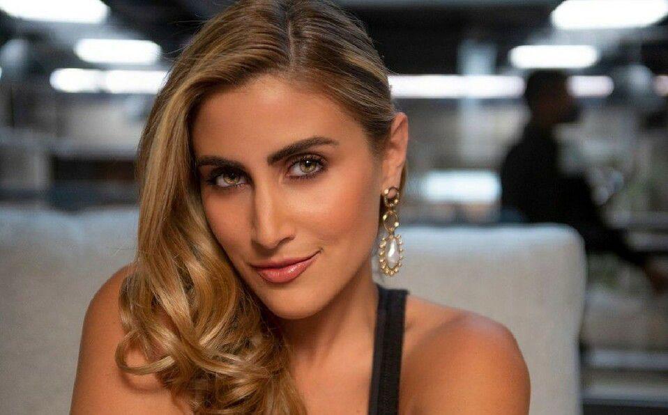 Sofía Rivera Torres y el bustier más chic del verano. (Foto: Instagram).