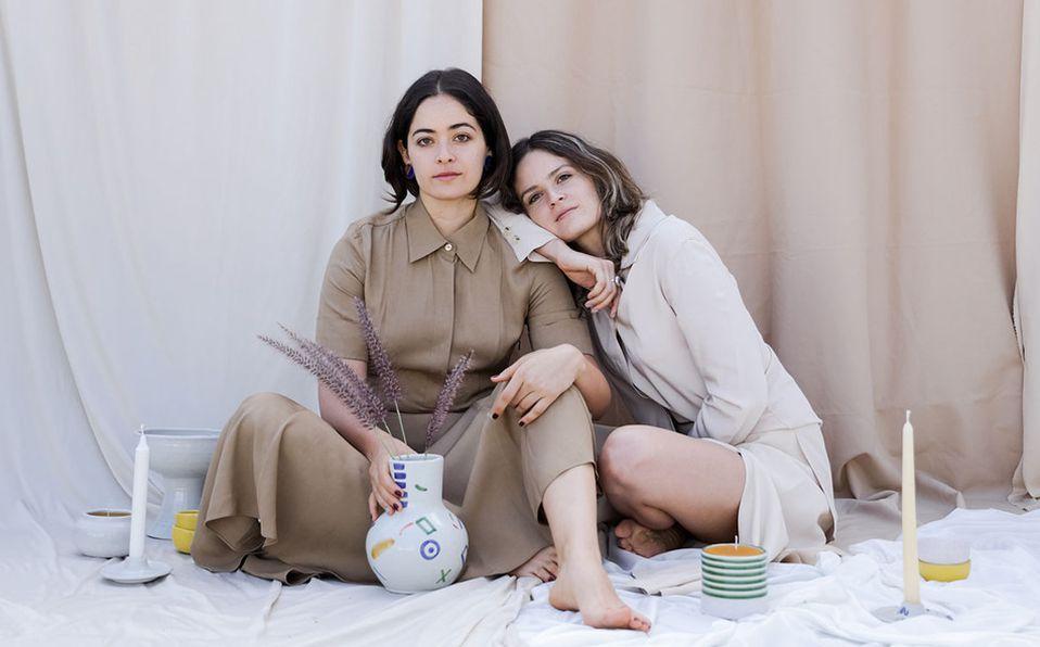 Las hermanas crearon Agua Viva a partir de su experiencia con la talavera.