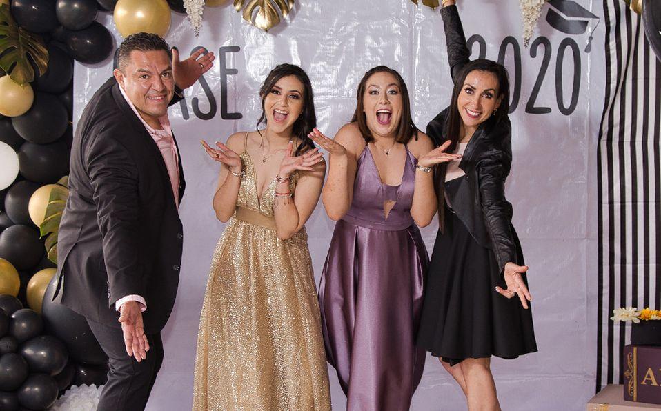 Ale y Grisell Larios Becerra festejan un logro más