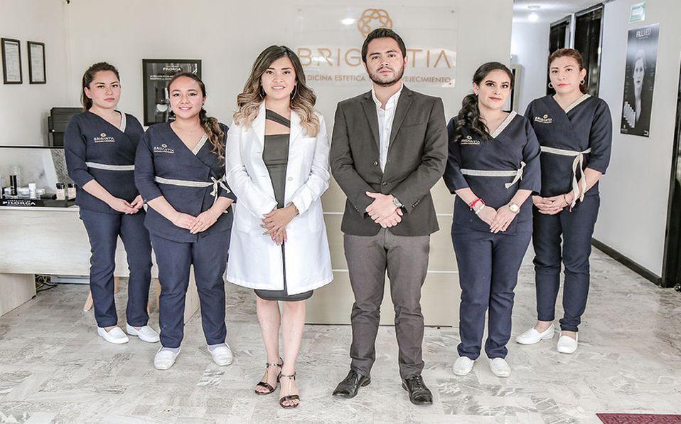Dra. Aldara Barrera y su equipo. (Fotos: Carlos Dayan Aparicio)