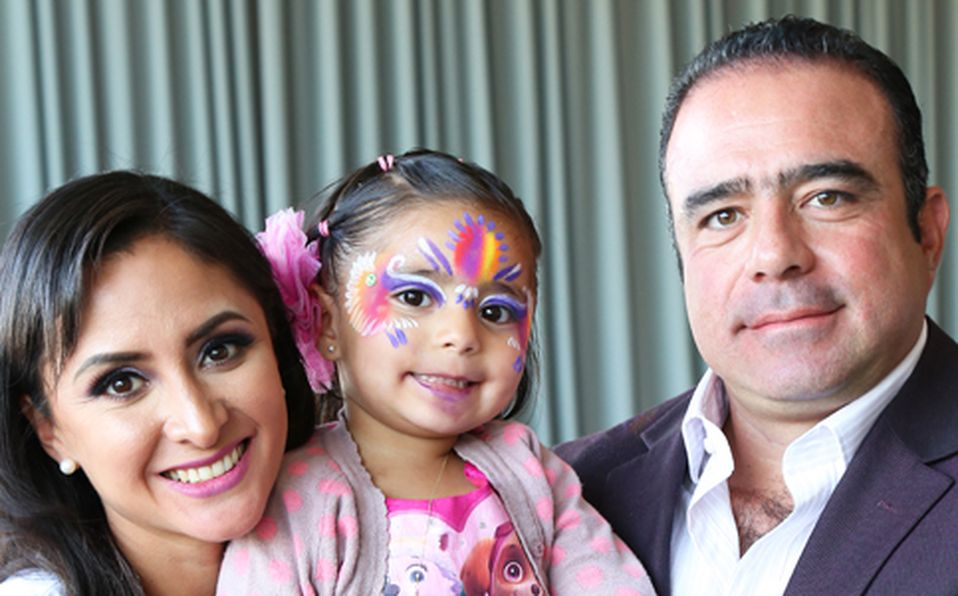 Perla Rubio, Constanza Azuara y Adolfo Azuara ##