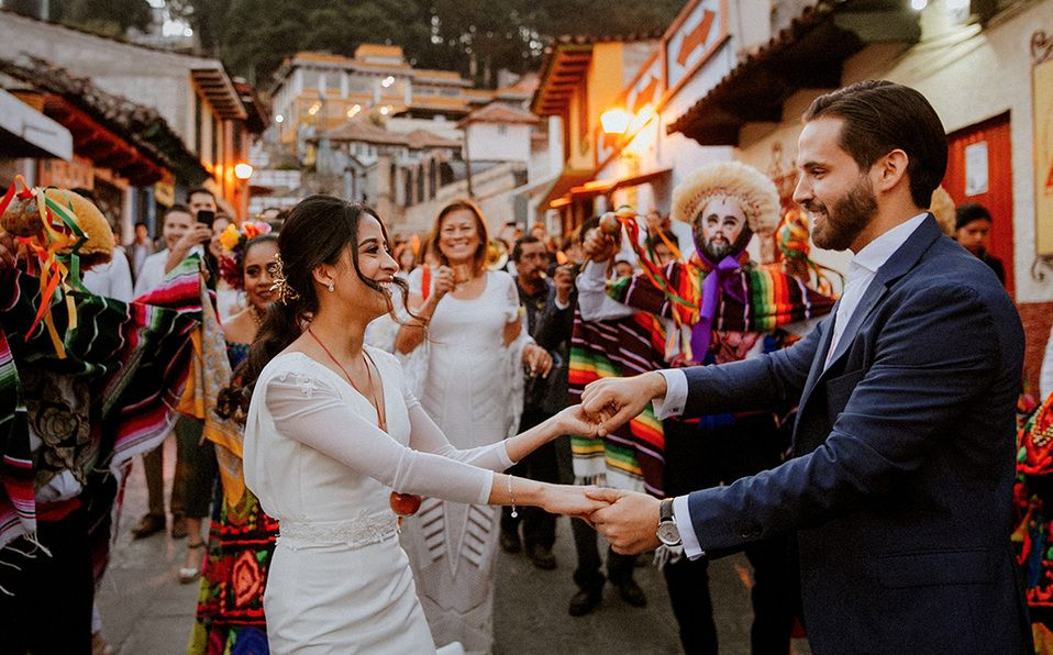 Vive una increíble boda en Chiapas, repleta de tradiciones como los Parachicos. Fotografía cortesía de Visit Chiapas