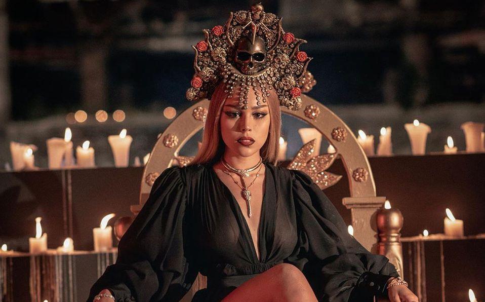 Danna Paola luce espectacular con joyas Bvlgari en el video del tema Santería (Fotos: Cortesía)