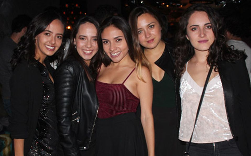 (PRINCIPAL) ANA NUÑEZ, DANIELA NUÑEZ, DANIELA MIER, PAMELA VALLEJO Y ARIADNA VALLEJO