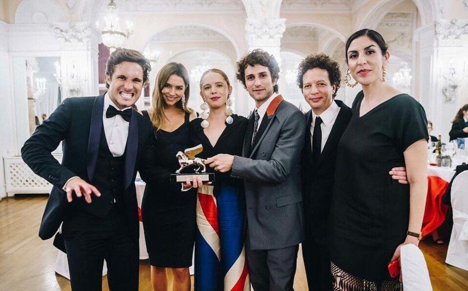 Michel Franco junto al elenco de la película en Venencia (Foto: Instagram).